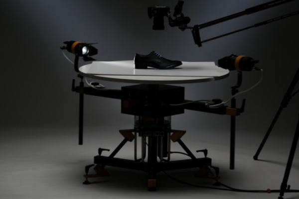Light Revolution – a new 360-degree motorised creative lighting and camera platform